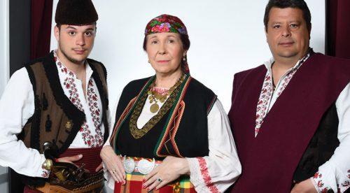 Петя Буюклиева като Валя Балканска