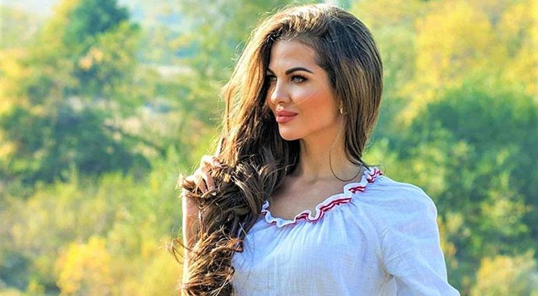 Райна - Българийо, една